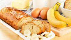 Ideaal recept om bananen te verwerken die je iets te lang bewaard hebt: bananencake basisrecept met naar keuze: chocolade, noten, rozijnen of speculaaskruiden.
