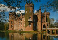 Castillo de Moyland en el Bajo Rhin, (Holanda-Alemania).