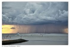 Onweer boven Ameland Holland, Weather, Clouds, Memories, Amazing, Outdoor, The Nederlands, Memoirs, Outdoors