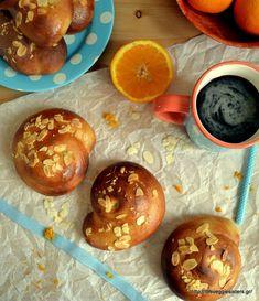 Have you heard of tsoureki? Tsoureki is popular Greek sweet bread that is made for holidays and enjoyed for breakfast. Vegan Treats, Vegan Desserts, Vegan Recipes, Bread Recipes, Vegan Food, Diet Recipes, Greek Easter Bread, Vegan Greek, Vegane Rezepte