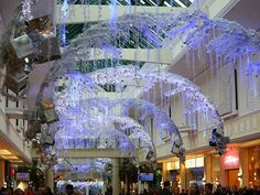 Details throughout the mall keep your customers in the #holiday spirit! #lights #holidaydecor #festivallighting