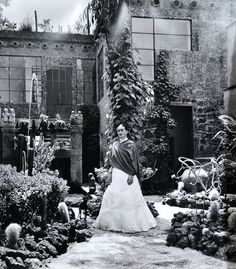 In 'Frida Kahlo: Art, Garden, Life,' Nature Melds With the Artist Herself - NYTimes.com