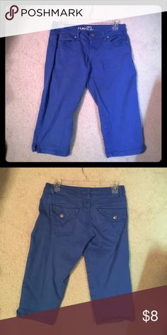 Rue 21 Bright Blue Cute Capris 3/4 Jean Rue 21 Bright Blue Cute Capris 3/4 Rue 21 Pants Capris