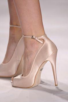 Bonitos, bonitos. De Badgley Mischka. #zapatos #novia #invitada