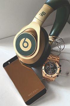 Audemars Piguet x Beats x G&Co 24k Rose Gold iPhone - Instagram: @AurumForHer