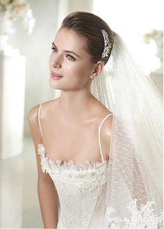 Glamorous Tulle Spaghetti Straps Neckline Natural Waistline Mermaid Wedding Dress With Lace Appliques