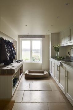 5 of our favourite utility room design ideas Boot Room Utility, Utility Room Storage, Utility Cupboard, Utility Room Sinks, Shoe Storage, Storage Ideas, Mudroom Laundry Room, Laundry Room Design, Utility Room Designs