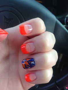 Gator nails but without the orange tips.
