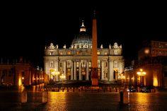 Basílica de São Pedro no Vaticano, importante edifício religioso do catolicismo e um dos lugares cristãos mais visitados do mundo