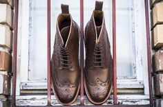 Brown color soft supple leather upper with contrasting stitch detail to front, leather inners and leather soles.Fine quality #Grensonshoes look perfect on you. Try it only on http://www.ashtonmarks.com/Grenson-s/5274.htm  in Milan , Italy.