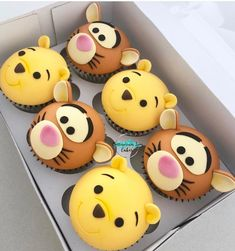 Birthday Cupcakes Winnie the Pooh & Tigger Baby-Dusche-Kuchen Winnie The Pooh Cake, Winnie The Pooh Birthday, Baby Birthday, Boy Birthday Cupcakes, Birthday Ideas, Birthday Parties, Disney Desserts, Disney Cakes, Cupcake Recipes