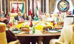 SUMMIT TALKS: King Salman and President Obama attend the US-GCC Summit in Riyadh on Thursday. (SPA)