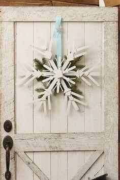 Winter white snow flake 'wreath'