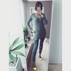 . 강아지 리치와 함께 인사드려욧!!! ㅎㅎㅎ 맛점하셔욧^^ . Yellow stilletto with denim & grey knit Perfect!!! . . . . #ootd #daily #dailylook #데일리룩 #패션 #fashion #강남 #스타일 #gangnam #style #셀스타그램 #selfie #셀카 #미러샷 #거울샷 #옷스타그램 #stiletto #줌마그램 #줌스타그램 #패피녀 #팔로우 #follow #me #instasize #instacool #korea #셀피 #독스타그램 #dog #슈스타그램