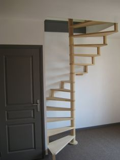 1000 id es sur le th me escalier gain de place sur pinterest escalier modul - Escalier colimacon gain de place ...