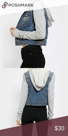 BDG cropped Jean/ Hoodie jacket ❤️ Great used condition- no flaws, just not my style anymore. small size. BDG Jeans