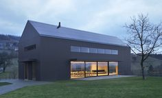 http://leibal.com/architecture/black-barn/ #minimalism #minimalist #minimal