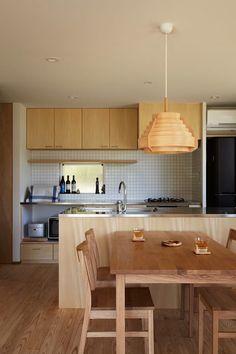 里山に建つ家: toki Architect design officeが手掛けたキッチンです。