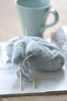 this photo, in it's simplicity, really captures the feel of knitting's delicate beauty