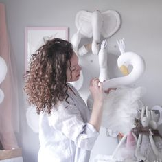 Vanessa byrne textile artist  Mother of creatures | Textile artist | swandoll |flamingodoll | handmade mobiles | nursery decor www.instagram.com/vanessa_byrne  www.ilka.bigcartel.com