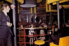 Yellow Submarine: Abtauchen war hier das Motto. Die Diskothek, die 1971 eröfnete, war auf drei Etagen verteilt und umgeben von 650 000 Liter Meerwasser. Foto: Mjunik Disko