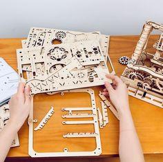 Puzzle en bois 3D Maquette DIY Puzzle mecanique Mecapuzzle DIY  Loisirs créatifs Idée cadeau Puzzle Marble Machine, 3d, Puzzles, Pattern, Bags, Wooden Gears, Creative Crafts, Gift, Handbags
