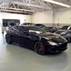 2015 Maserati Quattroporte Blacked Out. #RDBLA #MASERATI #quattroporte @c__wick Bugatti, Lamborghini, Ferrari, Maserati Sports Car, 2015 Maserati, Porsche, Audi, Weird Cars, Cool Cars
