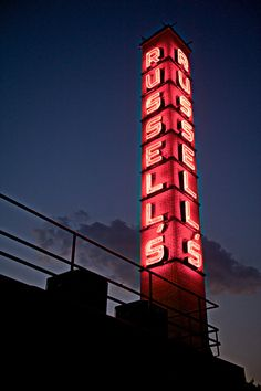 a little fun Sign Maker, Signage Design, Retro Cars, Willis Tower, Building, Times, Fun, Red, Buildings