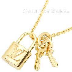 Auth-Louis-Vuitton-Pendantif-Lock-It-18K-Yellow-Gold-Pendant-Necklace-GR-1991697