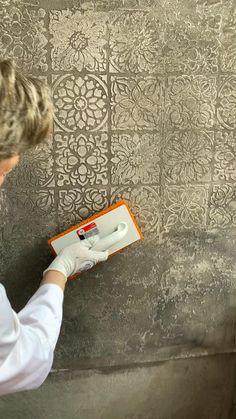 Wall Painting Decor, Stencil Painting, Diy Wall Art, Home Decor Wall Art, Plaster Wall Texture, Venetian Plaster Walls, Art Deco Decor, Ceiling Decor, Bathroom Interior Design