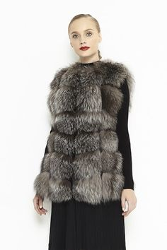 This vest model is made from fox fur pieces having between them strips of lamb leather. It is a medium length fur vest and has two hidden pockets. Fox Fur Vest, Coats For Women, Fur Coat, Fall Winter, Silver, Model, How To Wear, Jackets, Outfits