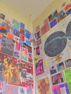 Uni Room, Dorm Room, Room Ideas Bedroom, Bedroom Decor, Bedroom Inspo, Indie Bedroom, Chill Room, Cute Room Ideas, Retro Room