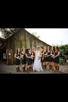 Country wedding If the bridesmaid dresses were pink it would be perfect