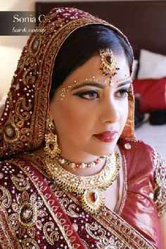 Check out this indian makeup and bridal look by Sonia C, a fabulous Connecticut based makeup artist  #shaadibazaar, #indianwedding