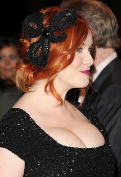 Top 10 Hottest Curvy Celebrities in Hollywood 2019 Beautiful Christina, Beautiful Red Hair, Gorgeous Redhead, Beautiful Gorgeous, Beautiful Women, Most Attractive Female Celebrities, Curvy Celebrities, Attractive Girls, Cristina Hendrix
