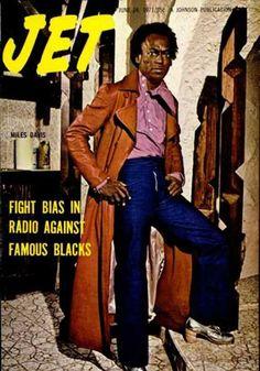 Miles Davis on the cover of Jet Magazine, June 1971 Jet Magazine, Black Magazine, Life Magazine, Miles Davis, Ebony Magazine Cover, Magazine Covers, Radios, Vintage Black Glamour, Famous Black