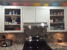 Updating your cabinets with benjamin moore 39 s chantilly for Benjamin moore chantilly lace kitchen cabinets