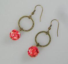Boucles d'oreilles BOULE et anneau dans les tons corail : Boucles d'oreille par terredepassion