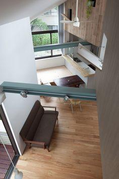 Image 6 of 20 from gallery of Small House with Floating Treehouse / Yuki Miyamoto Architect. Photograph by Masayoshi Ishii