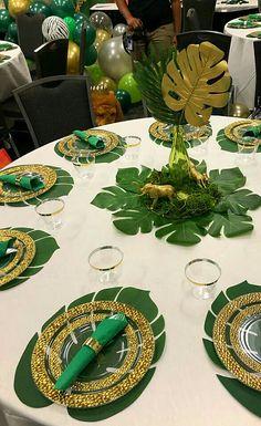 Safari Table Decorations, Safari Theme Centerpieces, Baby Shower Table Decorations, Green Centerpieces, Safari Baby Shower Cake, Baby Shower Niño, Boy Baby Shower Themes, Baby Shower Balloons, Bridal Shower
