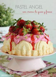 Pastel Ángel con crema de queso y fresas