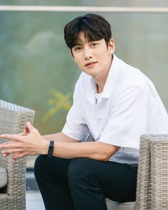 Ji Chang Wook Photoshoot, Korean Photoshoot, Ji Chang Wook Smile, Ji Chan Wook, Asian Actors, Korean Actors, Healer Korean, Dramas, Korean Haircut
