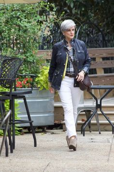 Ten fall wardrobe essentials to add to your closet that help my style game stay strong while dressing for the colder weather. Visit Style at a Certain Age for more fall fashion inspiration. Preppy Essentials, Fall Wardrobe Essentials, 50 Y Fabuloso, Fashion Over 50, Fashion Today, 60 Fashion, Fifties Fashion, Petite Fashion, Cheap Fashion