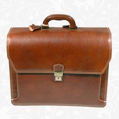 http://www.vegalm.sk/produkt/kozena-aktovka-c-8418/  Používa sa pravá hovädzia a teľacia useň, exkluzívna – ručne tamponovaná useň, talianske a švajčiarske kovanie a podšívkové materiály.