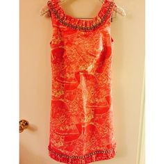 Size 6 Fans Lilly Pulitzer Shift Dress FITS LIKE 4 No trades. NO PAYPAL. Offers only via offer button. Imo it fits like a 4! I usually ship within 1 day. Lilly Pulitzer Dresses