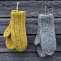 Knitted Mittens Pattern, Knit Mittens, Mitten Gloves, Knitted Hats, Knitting Patterns, Toe Warmers, Wrist Warmers, Knitting Yarn, Hand Knitting