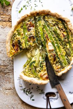 Asparagus and Brie Quiche…with a toasted sesame seed crust. Leave it to me to add brie to a quiche. To be expected, huh? The asparagus slowly roasts while the brie melt… Brunch Recipes, Breakfast Recipes, Dinner Recipes, Savory Breakfast, Quiche Recipes, Breakfast Club, Asparagus Recipe, Baked Asparagus, Half Baked Harvest