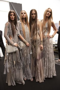 Roberto Cavalli for a Khalessi Gypsy Style, Boho Gypsy, Hippie Style, Bohemian Style, Boho Festival Fashion, Boho Fashion, Fashion Outfits, Womens Fashion, Look Boho Chic