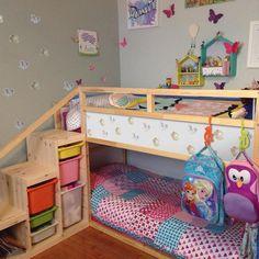 Kura Ikea, Kura Bed Hack, Ikea Loft Bed Hack, Toddler Bunk Beds, Kid Beds, Short Bunk Beds, Childrens Bunk Beds, Warm Bedroom, Bedroom Decor