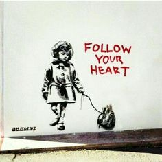 Another Banksy that I like. I really like the message in this one. Banksy combines gore (the authentic heart) with innocence (the sweet little girl). I really like Banksy& black and white, dripping paint style. Banksy Graffiti, Street Art Banksy, Street Art Quotes, Street Art Utopia, Bansky, Banksy Artwork, Urbane Kunst, Best Street Art, Drip Painting